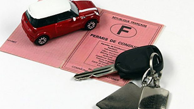 Demande d'un permis de conduire en linge